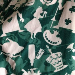 LuLaRoe Pants - NWOT LuLaRoe Alice In Wonderland TC Leggings